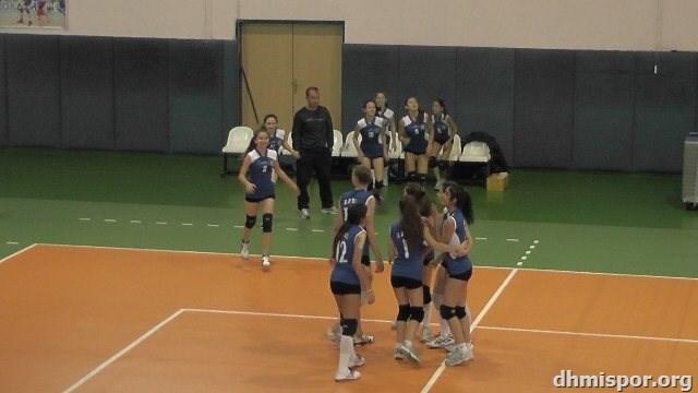 01.12.2013 Küçük Kızlar (3-0)Yüce Spor Maçından Kareler...