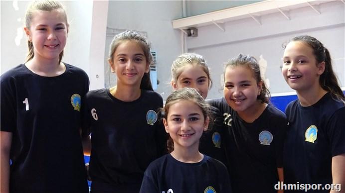 DHMİ Spor Kulübü Voleybol 2019...