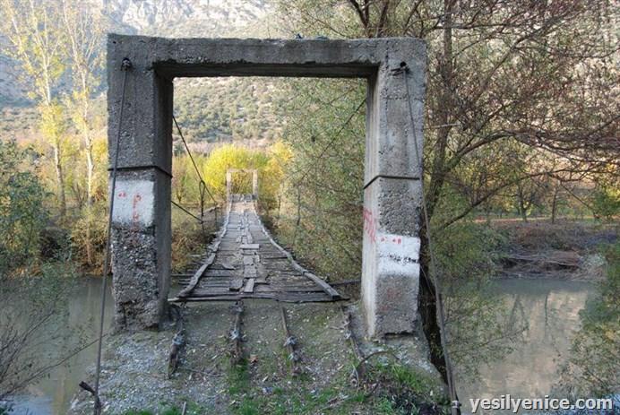 Eski Tahta köprüler Yeşilırmak Üzerinde...